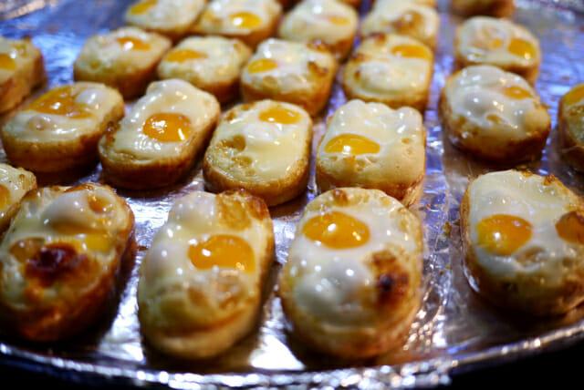 myeongdong street food south korea shopping korean shopping korean food egg bun egg bun