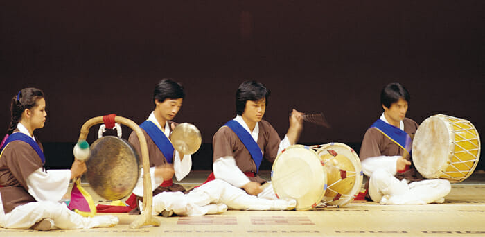 Korean Wedding Traditions That May Surprise You! 2