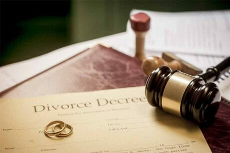 """The Divorce Rate 이혼율 Among Korean Couples is Skyrocketing After 추석 """"Chuseok"""" [Korean Thanksgiving] and 설날 """"Seollal"""" [New Years Celebration] - Here is why. 12"""